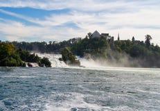 Άποψη των ορμητικά σημείων ποταμού Στοκ φωτογραφία με δικαίωμα ελεύθερης χρήσης