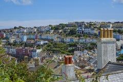 Άποψη των δοχείων και των σπιτιών Brixham Torbay Devon Endland UK καπνοδόχων Στοκ Φωτογραφία