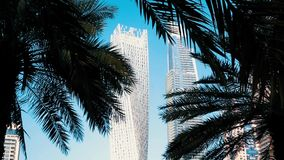 Άποψη των σύγχρονων ουρανοξυστών στη μαρίνα του Ντουμπάι στο Ντουμπάι, Ε.Α.Ε. φιλμ μικρού μήκους