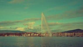 Άποψη χρονικού σφάλματος σχετικά με την πηγή και τη λίμνη Γενεύη της Γενεύης απόθεμα βίντεο