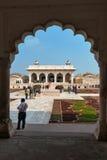 Άποψη Anguri bagh και Khas Mahal στο κόκκινο οχυρό Agra Στοκ Εικόνες