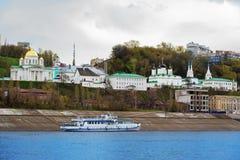 Άποψη Annunciation του μοναστηριού σε Nizhny Novgorod Στοκ Φωτογραφίες