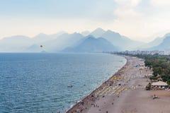Άποψη Antalya, Τουρκία παραλιών Konyaalti Στοκ φωτογραφίες με δικαίωμα ελεύθερης χρήσης