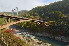 Άποψη Arashiyama στο Κιότο κατά τη διάρκεια του φθινοπώρου Στοκ εικόνα με δικαίωμα ελεύθερης χρήσης