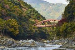 Άποψη Arashiyama στο Κιότο κατά τη διάρκεια του φθινοπώρου Στοκ φωτογραφία με δικαίωμα ελεύθερης χρήσης
