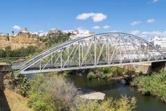 Άποψη Arcos de του Λα Frontera από τον ποταμό, Ισπανία Στοκ Εικόνες