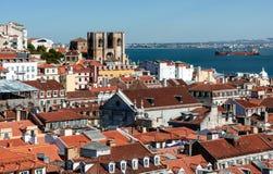 Άποψη Arial σχετικά με τις κόκκινες στέγες σε Lisabon Στοκ εικόνα με δικαίωμα ελεύθερης χρήσης