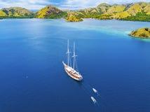 Άποψη Arial του όμορφου τοπίου στο νησί Flores με τον τουρίστα ya Στοκ φωτογραφίες με δικαίωμα ελεύθερης χρήσης