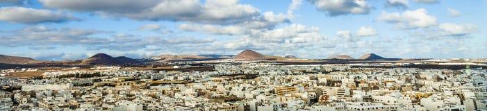 Άποψη Arrecife και τα ηφαίστεια Lanzarote Στοκ φωτογραφίες με δικαίωμα ελεύθερης χρήσης