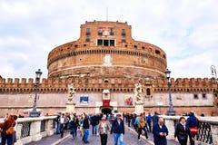 Άποψη Castel Sant'Angelo, μουσείο στη Ρώμη, από τη γέφυρα Ponte Sant'Angelo στη Ρώμη Στοκ εικόνα με δικαίωμα ελεύθερης χρήσης