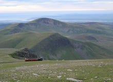 Άποψη Coatal βουνών Snowdon στοκ εικόνα