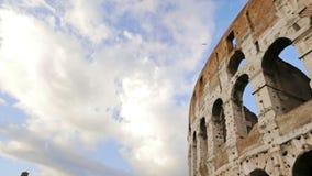 Άποψη Coliseum πέρα από το μπλε ουρανό φιλμ μικρού μήκους