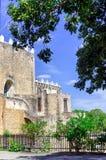 Άποψη Convento de San Antonio de Πάδοβα σε Izamal Στοκ εικόνες με δικαίωμα ελεύθερης χρήσης