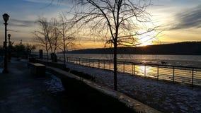 Άποψη Englewood χώρων στάθμευσης περιφραγμάτων ποταμών κισσών hudson από τη Νέα Υόρκη Στοκ φωτογραφία με δικαίωμα ελεύθερης χρήσης