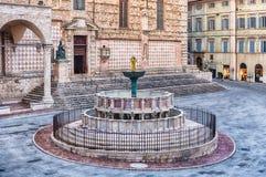 Άποψη Fontana Maggiore, φυσική μεσαιωνική πηγή στην Περούτζια, Ι Στοκ Φωτογραφίες
