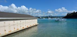 Άποψη Ladscape μιας παλαιάς βάρκας που ρίχνεται σε Sandspit Νέα Ζηλανδία Στοκ εικόνα με δικαίωμα ελεύθερης χρήσης