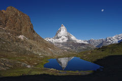 Άποψη Matterhorn στην ηλιόλουστη ημέρα Στοκ Εικόνα