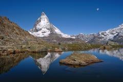 Άποψη Matterhorn στην ηλιόλουστη ημέρα Στοκ εικόνες με δικαίωμα ελεύθερης χρήσης