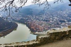 Άποψη Mtskheta από το μοναστήρι Jvari Στοκ φωτογραφία με δικαίωμα ελεύθερης χρήσης