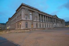 Άποψη Palais du Λούβρο από Quai Francois Mitterrand Στοκ Φωτογραφίες
