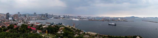 Άποψη Panramic του εμπορικού λιμένα Yantai, Κίνα στοκ εικόνα με δικαίωμα ελεύθερης χρήσης
