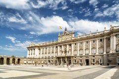Άποψη Plaza de Λα Armeria και της Royal Palace της Μαδρίτης Στοκ εικόνα με δικαίωμα ελεύθερης χρήσης