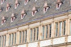 Άποψη Streetv με το ύφος γαλλικών παραθύρων, Στρασβούργο, Αλσατία, Γαλλία Στοκ Φωτογραφίες