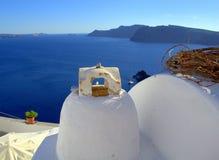 Άποψη Tipycal από Oia τις στέγες, Santorini Στοκ Εικόνες