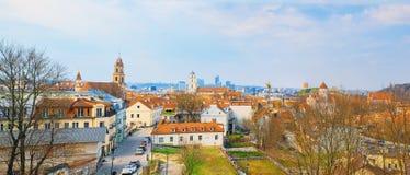 Άποψη Vilnius από το λόφο της άποψης τριών σταυρών Στοκ Εικόνα