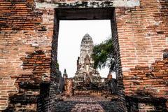 Άποψη Wat Ratchaburana που είναι ο αρχαίος βουδιστικός ναός στο ιστορικό πάρκο Ayutthaya, επαρχία Ayutthaya, Ταϊλάνδη στοκ εικόνες