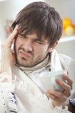 άρρωστοι ατόμων πονοκέφαλ& στοκ εικόνα με δικαίωμα ελεύθερης χρήσης