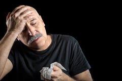 Άρρωστο μέσης ηλικίας άτομο Γρίπη Πονοκέφαλος Στοκ Εικόνες