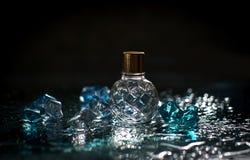 Άρωμα με τις πτώσεις νερού Στοκ Εικόνες
