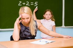 Δάσκαλος που κουράζεται του ηλίθιου σπουδαστή Στοκ Φωτογραφίες