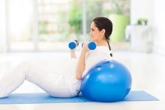 Άσκηση εγκύων γυναικών Στοκ Φωτογραφία