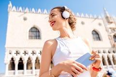 Άσκηση πρωινού στην παλαιά πόλη της Βενετίας στοκ εικόνα με δικαίωμα ελεύθερης χρήσης