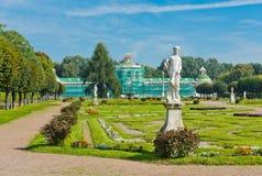 Άσπρα αγάλματα στο πάρκο Kuskovo. Μόσχα Στοκ φωτογραφία με δικαίωμα ελεύθερης χρήσης
