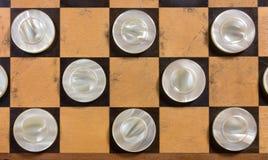 Άσπρα κομμάτια Checkerboard Στοκ εικόνες με δικαίωμα ελεύθερης χρήσης
