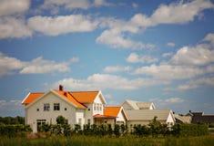 Άσπρα ξύλινα σπίτια Στοκ Φωτογραφία