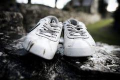 Άσπρα παπούτσια Στοκ φωτογραφίες με δικαίωμα ελεύθερης χρήσης