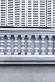 Άσπρα παραθυρόφυλλα παραθύρων Στοκ Εικόνες