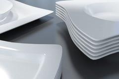 Άσπρα πιάτα Στοκ φωτογραφία με δικαίωμα ελεύθερης χρήσης