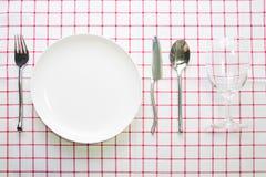 Άσπρα πιάτο μαχαιριών και κουτάλι δικράνων Στοκ Εικόνες