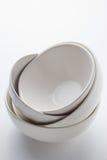 Άσπρα στρογγυλά πιατάκια Στοκ εικόνα με δικαίωμα ελεύθερης χρήσης
