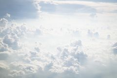 Άσπρα σύννεφα στοκ φωτογραφίες με δικαίωμα ελεύθερης χρήσης