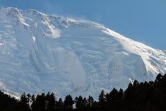 Άσπρα υψηλά χιονώδη βουνά του Νεπάλ, περιοχή Annapurna Στοκ φωτογραφίες με δικαίωμα ελεύθερης χρήσης