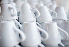 Άσπρα φλυτζάνια καφέ Στοκ εικόνες με δικαίωμα ελεύθερης χρήσης