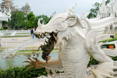 Άσπρα λωρίδες της Ταϊλάνδης τέχνης αγαλμάτων Στοκ Φωτογραφία