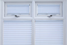 Άσπρα διπλά βερνικωμένα Windows   Στοκ Εικόνα