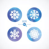 Άσπρα snowflakes στους κύκλους υδατοχρώματος Στοκ Φωτογραφία